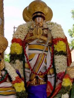 Mudhal Thiruvandhadhi   Poigai Āḻvār